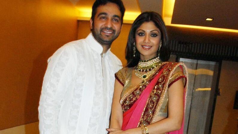 शिल्पा शेट्टी आणि राज कुंद्रा यांचे लग्न मोठ्या धुमधडाक्यात झालं होतं. या रॉयल वेडिंगमध्ये केवळ कुटुंबातील सदस्य आणि दोघांचे खास मित्र सामील होते.