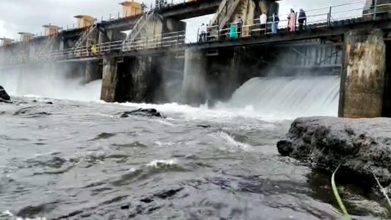 water release from pune khadakwasla dam after Heavy Rain
