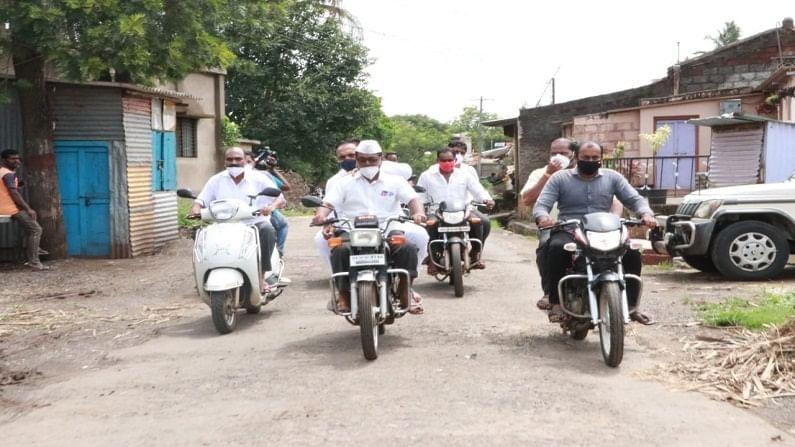 पश्चिम महाराष्ट्रात परिस्थिती बिघडत असल्याचे लक्षात येताच जयंत पाटील सकाळी 8.30 वाजल्यापासून आपला पाहणी दौरा सुरू केला होता. तब्बल 12 तास उलटच्यानंतरही त्यांचा हा पाहणी दौरा सुरुच होता.