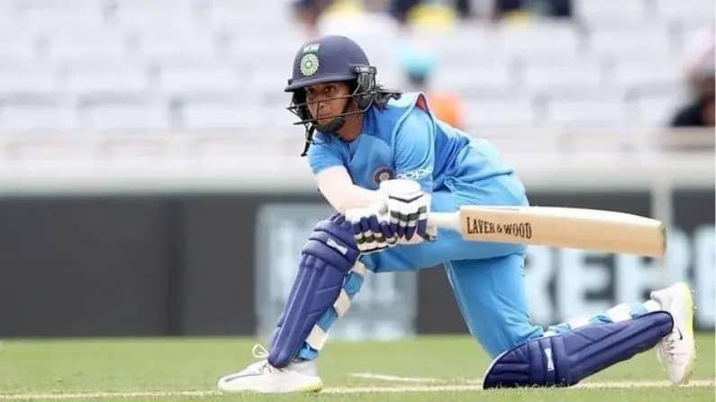 जेमिमाने 2018 मध्ये भारतीय संघात पदार्पण केलं होतं. आतापर्यंत 21 एकदिवसीय सामन्यात 19.70 च्या सरासरीने 394 रन्स केले आहेत. ज्यात तीन अर्धशतकांचा समावेश आहे. जेमिमा भारताकडून 47 टी-20 सामने खेळली असून यात तिने 26.37 च्या सरासरीने 976 धावा ठोकल्या आहेत.
