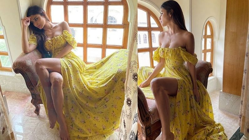 टीव्ही शो 'नागिन' च्या माध्यमातून आपली ओळख निर्माण करणारी अभिनेत्री मौनी रॉयनं तिच्या लेटेस्ट फोटोशूटचे फोटो सोशल मीडियावर शेअर केले आहेत. फोटोंमध्ये मौनी रॉयनं यलो कलरचा ड्रेस परिधान केला आहे.