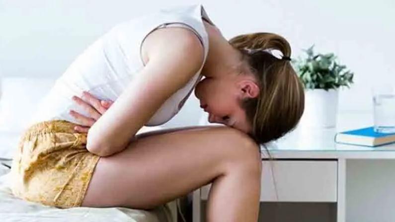 साधारण मासिकपाळी 16 वर्षांच्यानंतर येतेच. मात्र, सध्याच्या बदललेल्या जीवनशैलीमुळे आपल्या आरोग्यावर अनेक परिणाम झाले आहेत. सध्याच्या परिस्थितीमध्ये मुलींना अगदी कमी वयात मासिकपाळी येते.