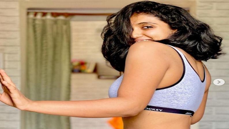 रिंकू राजगुरुला सैराट चित्रपटातून प्रचंड फेम मिळालं होतं, सैराटच्या आर्चीवर जगभरातील प्रेक्षकांनी भरपूर प्रेम केलं.