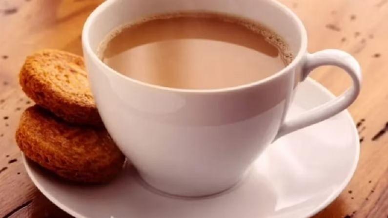 आपल्यापैकी अनेकांना मसाला चहा पिण्यासाठी आवडतो. मसाला चहा पावसाळ्याच्या हंगामात घेतला पाहिजे. ज्यामुळे आपण सर्दी आणि खोकल्यापासून दूर राहू शकतो.