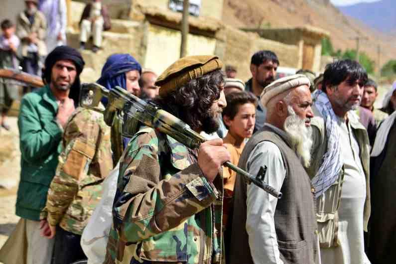 तालिबानने संपूर्ण अफगाणवर ताबा मिळवला आहे. अगदी अमेरिकेलाही माघार घेण्यास भाग पाडलं. मात्र, अफगाणिस्तानमध्येच एक असा प्रांत आहे ज्याच्यावर तालिबानला अद्यापही ताबा मिळवता आला नाही. या प्रांताचं नाव आहे पंजशीरचं खोरं.