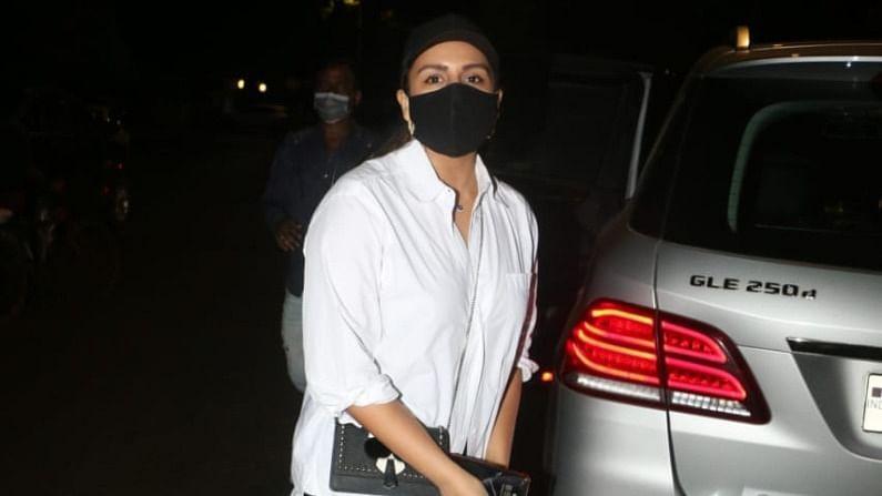 बातमीनुसार, लारा दत्तने चित्रपट प्रदर्शित होण्यापूर्वी तिच्या सहकलाकारांना रात्रीच्या जेवणासाठी आमंत्रित केले होते.