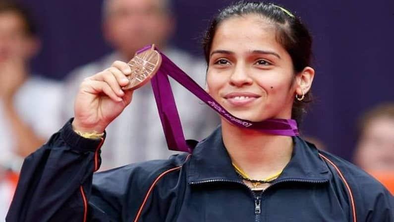2016 आधी 2012 च्या लंडन ऑलिम्पकमध्येही भारतीय महिला बॅडमिंटनपटूने भारताला ऑलिम्पिक पदक जिंकवून दिलं होत. पण यावेळी सिधू नाही, तर सायना नेहवालने (Saina nehwal) कांस्य पदक मिळवून दिलं होतं.