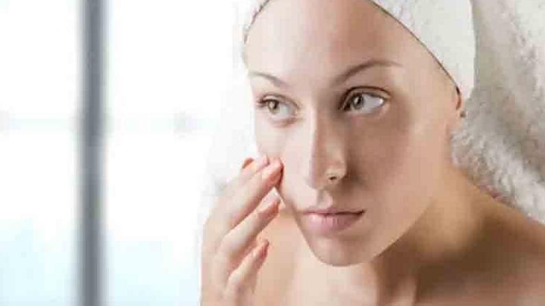 मलईमध्ये, मध मिसळून फेस पॅक तयार करा. तो आपल्या चेहऱ्यावर लावा आणि थोड्या वेळाने चेहरा पाण्याने स्वच्छ धुवा. हा फेस पॅक नियमित वापरल्याने तुमची त्वचा चमकू लागेल.