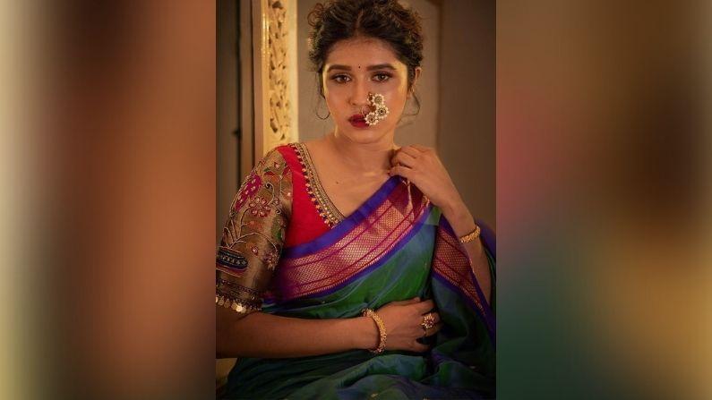 अभिनेत्री संस्कृती बालगुडे 'पिंजरा' मालिकेतून मनोरंजन विश्वात पदार्पण केलं. आनंदीच्या भूमिकेमुळे प्रेक्षकांच्या मनात घर केलं.