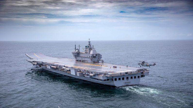 IAC विक्रांत ही भारतात तयार झालेली सर्वात मोठी आणि जटील अशी युद्धनौका आहे. या युद्धनौकेचं वजन 40 हजार टन आहे. याआधी INS विक्रांतने 1971 च्या युद्धात महत्वपूर्ण भूमिका बजावली होती.