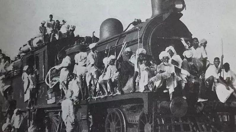 भारत-पाकच्या फाळणीच्या वेळी, रस्ते आणि रेल्वेचं विभाजन देखील केलं गेलं. रेल्वेचे डबे, इंजिन, बुलडोझर आणि ट्रक यांचीही विभागणी करण्यात आली होती. फाळणीच्या वेळी पगडी, बल्ब, पेन, काठी, बासरी, टेबल, खुर्ची, रायफल या छोट्या छोट्या गोष्टीही वाटण्यात आल्या.