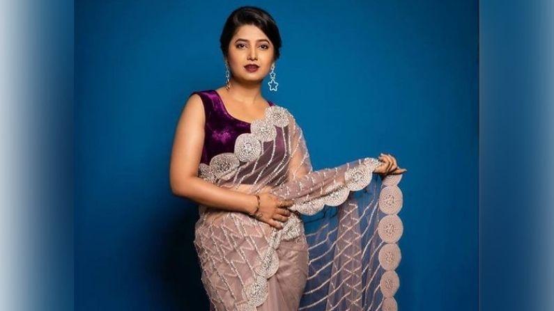 प्राजक्ता माळी मराठी चित्रपटसृष्टीतील आघाडीची अभिनेत्री असून ती कसदार अभिनयासाठी ओळखली जाते. महाराष्ट्रात तिचे लाखे चाहते आहेत.