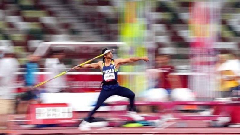 भारताला टोकिओ ऑलिंपिक 2020 स्पर्धेत 6 खेळांमध्ये 7 पदकं मिळाली. यासह टोकिओ ऑलिंपिकचं भारताचं अभियान संपलं. यंदाच्या ऑलिंपिकमधील कामगिरी भारताच्या आतापर्यंतच्या कामगिरीपैकी सर्वोत्तम राहिली. याआधी भारताने लंडन ऑलिंपिक 2012 मध्ये 6 पदकं जिंकले होते. भारताने टोकिओत 1 सुवर्ण (Gold), 2 रौप्य (Silver) आणि 4 कांस्य (Bronze) पदक जिंकलंय. भारताला ही पदकं नेमकी कुणी मिळवून दिली याचाच हा खास आढावा.