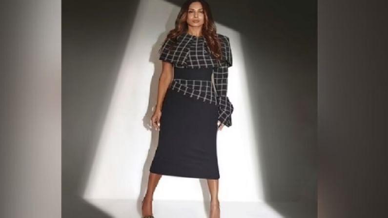 मलायकाने लाँग बॉडीकॉन क्लासिक ब्लॅक ड्रेस घातला आहे.  ज्यात ती खूप आकर्षक लुकमध्ये दिसत आहे. तिचे हे फोटो सोशल मीडियावर व्हायरल होत आहेत.