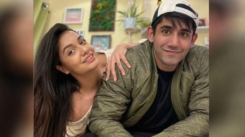 अभिनेता वरुण सूद (Varun Sood) सध्या टीव्ही रिअॅलिटी शो 'खतरों के खिलाडी 11' मध्ये दिसत आहे. त्याचबरोबर त्याची मैत्रीण दिव्या अग्रवाल (Divya Agarwal) बिग बॉस ओटीटीमध्ये  (Bigg boss OTT) दिसणार आहे. दिव्याला तिच्या बॉयफ्रेंड वरूण याच्या सूदसोबत पुढील वर्षी म्हणजेच 2022 मध्ये लग्न करायचे आहे. एका मुलाखतीत तिने सांगितले होते की, तिला आणि वरुणला लग्न करण्यापूर्वी घर मिळवण्याचे स्वप्न पूर्ण करायचे आहे.