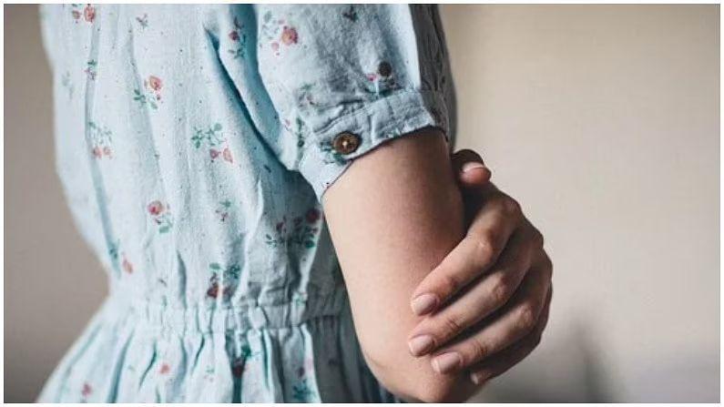 आपण रात्री बराच वेळ एकाच स्थितीत झोपतो, ज्यामुळे आपले पाय किंवा हात सुन्न होतात आणि हातापायाला मुंग्या येतात. सुन्न झालेल्या ठिकाणी थोडा वेळ मालिश केल्याने हात आणि पाय बरे होतात. यानंतरही हात सुन्न राहिले तर काही गंभीर आजाराचे ते संकेत असतात. कित्येकदा हात आणि पायात रक्त परिसंचरण नसल्यामुळे हात आणि पाय सुन्न होतात आणि मुंग्या येणं वगैरे असे प्रकार जाणवतात...