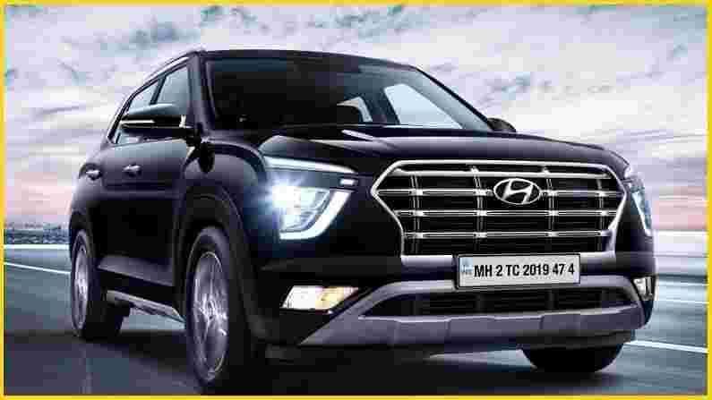 Hyundai Creta हे भारतीय बाजारपेठेतील सर्वात लोकप्रिय वाहनांपैकी एक आहे, याचे मुख्य कारण त्याची किंमत, उत्तम साधने आणि इंजिन आणि ट्रान्समिशन पर्यायांमुळे आहे. एसयूव्हीचा बेस ट्रिम सुमारे नऊ महिन्यांच्या प्रतीक्षा कालावधीवर चालतो, तर उर्वरित ट्रिमसाठी प्रतीक्षा कालावधी एक महिन्यापासून चार महिन्यांचा असतो.