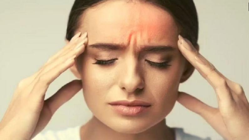 जिन लोगों को माइग्रेन की समस्या होती है। उन्हें बादाम खाने से भी बचना चाहिए। बादाम विटामिन ई से भरपूर होते हैं। विटामिन ई का उच्च स्तर सिरदर्द, थकान और चक्कर आने का कारण बन सकता है। इसलिए माइग्रेन के मरीजों को इसका बहुत सीमित मात्रा में सेवन करना चाहिए या नहीं करना चाहिए।