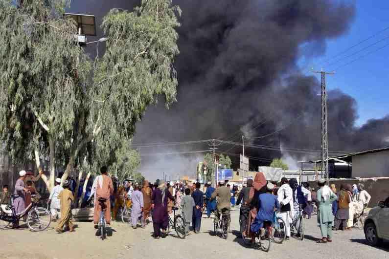 मागच्या काही दिवसांत तालिबान (Taliban) आणि अफगान सैन्यादरम्यान युद्ध सुरू आहे. त्यामुळे अफगानिस्तानात परिस्थिती दिवसेंदिवस बिकट होत चालली आहे.