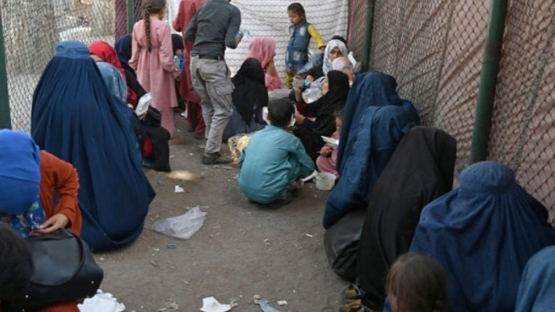 विशेष म्हणजे हे पहिल्यांदाच घडत नाहीये. याआधी देखील तालिबानने 1996-2001 मध्ये अफगाणिस्तानवर ताबा मिळवला होता. तेव्हा महिलांवर अनेक निर्बंध आले होते. आता पुन्हा असं निर्बंध लादले जात आहेत (Afghanistan Before 1970).