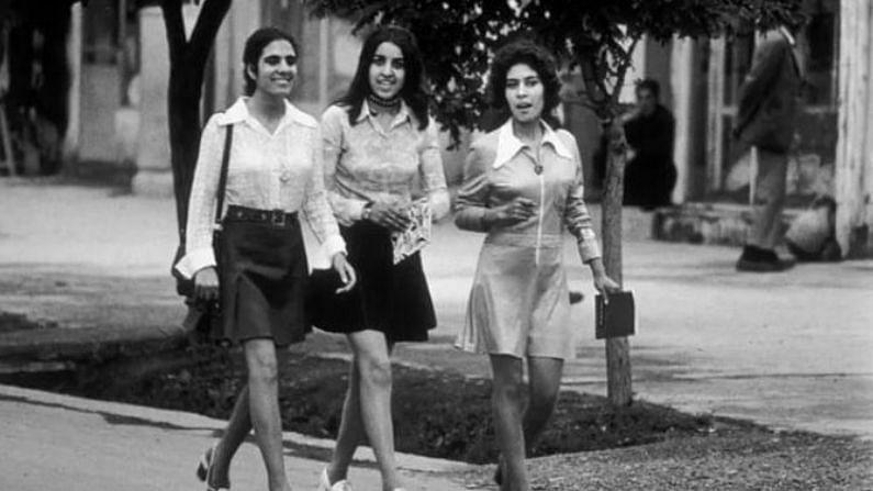 असं असलं तरी अफगाणिस्तानमधील परिस्थिती कायम अशीच नव्हती. एकेकाळी हा देश फॅशन, रोजगार आणि करिअरबाबत खूप पुढे होता. सोशल मीडियावर तालिबानच्या नियंत्रणाआधी महिलांचे आधुनिक वेशातील काही फोटो व्हायरल होत आहेत (Afghanistan Education Before the Taliban). 70 च्या दशकात एका महिलेने फॅशनेबल कपडे घातलेले दिसत आहेत.