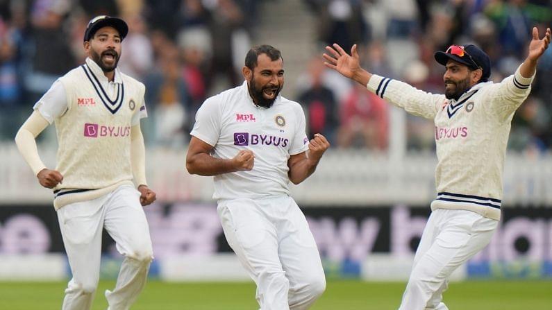 भारताने पाचव्या दिवशी इंग्लंडसमोर 60 षटकात 272 धावांचं लक्ष्य ठेवलं होतं. भारताचा वेगवान तोफखाना मोहम्मद सिराज, जसप्रीत बुमराह, ईशांत शर्मा आणि मोहम्मद शमी यांनी अक्षरश: आग ओकणारी गोलंदाजी केली. इंग्लंडच्या फलंदाजांना भारतीय गोलंदाजांनी असं काही बांधून ठेवलं की त्यांना 1-1 धाव करणंही मोठं कठीण झालं.