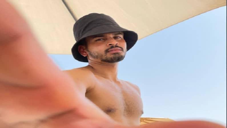 दिल्लीचा कर्णधार श्रेयस अय्यर आधीच दुबईला पोहोचला आहे. सहप्रशिक्षक प्रवीण आमरेसह श्रेयस दुबईत आधीच गेला असून त्याने आपले काही फोटोज सोशल मीडियावर पोस्ट केले आहेत.