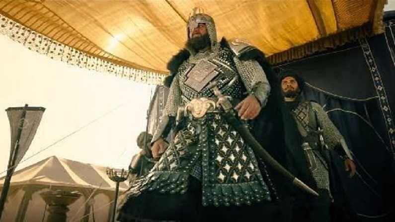 पानिपत - संजय दत्तनं पानिपतमध्ये अफगाणिस्तानच्या अब्दालीची भूमिका साकारली होती.
