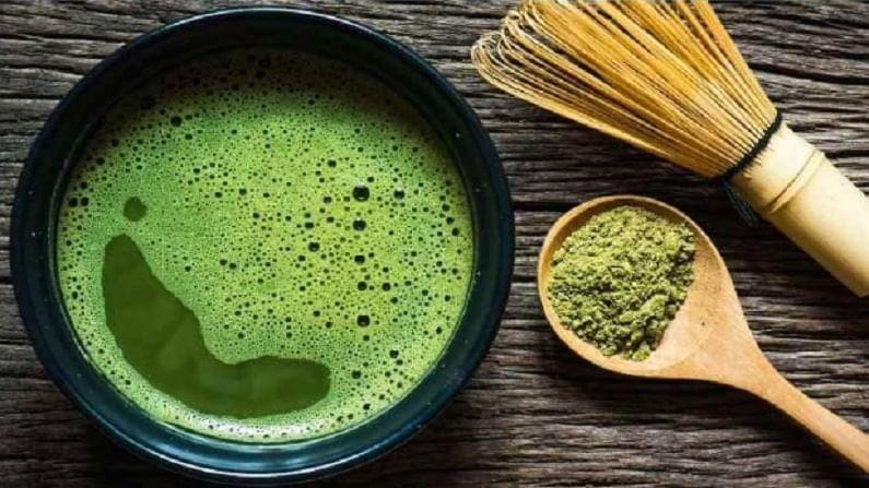 माचा चहामध्ये असलेले कॅटेचिन नावाचे अँटीऑक्सिडंट्स रक्तदाब पातळी कमी करण्यास मदत करतात. आपण माचा चहा पिऊन रक्तदाब नियंत्रित करू शकता. म्हणून, रक्तदाब नियंत्रित करण्यासाठी, गोळ्यांचे सेवन कमी करा आणि त्याऐवजी तुम्ही माचा चहा प्या.