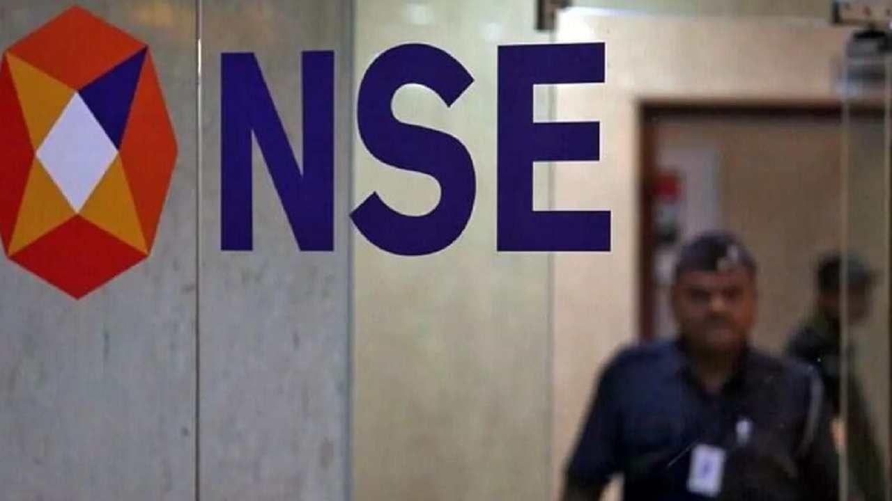 शेअर बाजाराच्या कामकाजावर नजर ठेवणारी संस्था सेबीने (SEBI-Securities and Exchange Board of India) काही नियम बदललेत. नवीन नियम 1 सप्टेंबरपासून लागू झालेत. सहसा शेअर बाजारात शेअर्स खरेदी आणि विक्री करताना दलाल मार्जिन देतात. जर तुम्हाला सोप्या शब्दात समजले तर तुम्ही तुमच्या ट्रेडिंग खात्यात 10 हजार रुपये ठेवलेत. त्यामुळे ग्राहक 10 पट मार्जिनसह 1 लाख रुपयांपर्यंतचे शेअर्स सहज खरेदी करू शकत होते. पण आता हे नियम पूर्णपणे बदललेत. हे एक उदाहरण म्हणून समजून घेऊया.