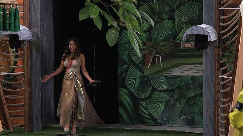 प्रसिद्ध छोट्या पडद्यावरील अभिनेत्री निया शर्माने बिग बॉस ओटीटीच्या घरात प्रवेश केला आहे. यावेळी निआने शो मध्ये अतिशय हटके अंदाजात प्रवेश केला.