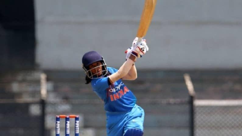 जेमिमाने स्थानिक क्रिकेटमध्येही बरच नाव कमावलं आहे. विशेष म्हणजे जेमिमा आधी क्रिकेटर बनणार नव्हती. तिला सगळेच खेळ आवडतं पण ती हॉकी खेळामध्ये राष्ट्रीय स्तरावर खेळली होती. पण नंतर तिने क्रिकेटर होण्याचं ठरवलं आणि तिचे वडिल  इवान रोड्रिग्सचं तिचे पहिले प्रशिक्षक बनले.