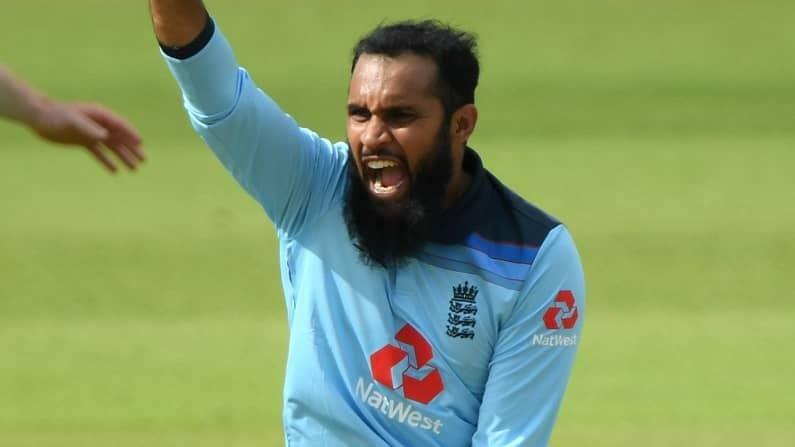 सुमारे 689 गुणांसह जागतिक टी-20 क्रिकेटमध्ये चौथ्या क्रमांकावर असणाऱ्या इंग्लंडच्या आदिल रशीदला (Adil Rashid) पंजाब किंग्सने विकत घेतले आहे. ऑस्ट्रेलियाचा वेगवान गोलंदाज झाए रिचर्डसन (Jhye Richardson) याच्याजागी रशीदला संधी दिली आहे