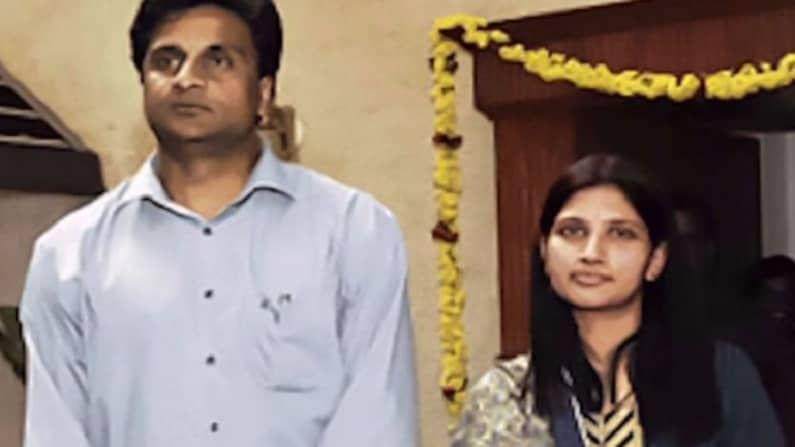भारताचा माजी वेगवागन गोलंदाज जवागल श्रीनाथ याने 1999 मध्ये ज्योत्सना नावाच्या मुलीशी लग्न केलं होतं. पण दोघांच लग्न जास्त दिवस टिकू शकलं नाही.  2003 मध्ये श्रीनाथने क्रिकेटमधून सन्यास घेतला. ज्यानंतर चार वर्षांतच म्हणजे 2007 मध्ये पत्नीसोबतही घटस्फोट घेतला.