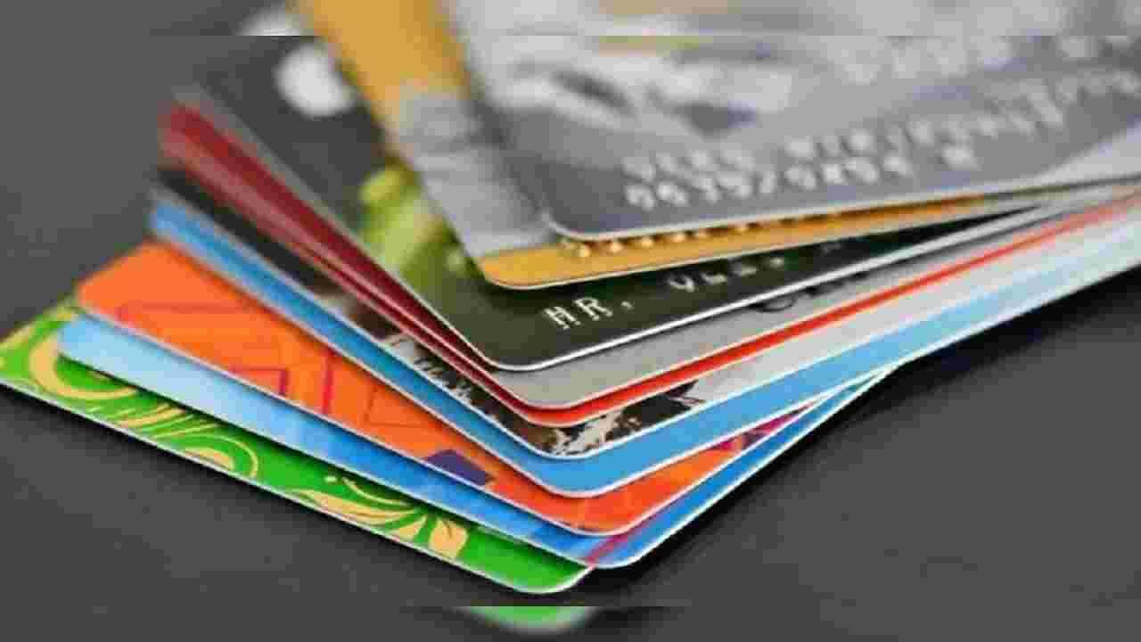 व्हिसाने ऑफलाईन पेमेंटसाठी स्टोअर व्हॅल्यू कार्डासाठी आधीच संकल्पनेचा पुरावा (POC) स्थापित केला आहे. यासाठी, व्हिसाने पेमेंट सोल्युशन्स फर्म इनोव्हिटीसह भागीदारी केली आहे. पीओसीची अंमलबजावणी येस बँक आणि अॅक्सिस बँकेच्या भागीदारीत करण्यात आली आहे. संचयित मूल्य कार्ड प्रीपेड कार्डपेक्षा वेगळे असतात, जेथे प्राधिकरण नेटवर्क क्लाउडवर होते. डेबिट कार्डधारक लवकरच त्यांच्या बँकेला व्हिसा कार्डसाठी विनंती करू शकतात ज्यात ते चिपमध्येच 2,000 रुपये जमा करू शकतात. यासह, कनेक्टिव्हिटीशिवाय व्यवहार केले जातील.