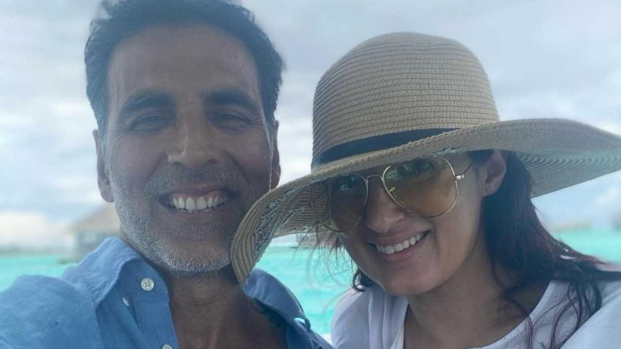 अक्षय कुमारने आपल्या करिअरमध्ये अनेक बॉलिवूड अभिनेत्रींना डेट केल्यानंतर अभिनेत्री ट्विंकल खन्नाशी लग्न केलं. ट्विंकल ज्येष्ठ अभिनेते राजेश खन्ना आणि डिंपल कपाडिया यांची मुलगी आहे.