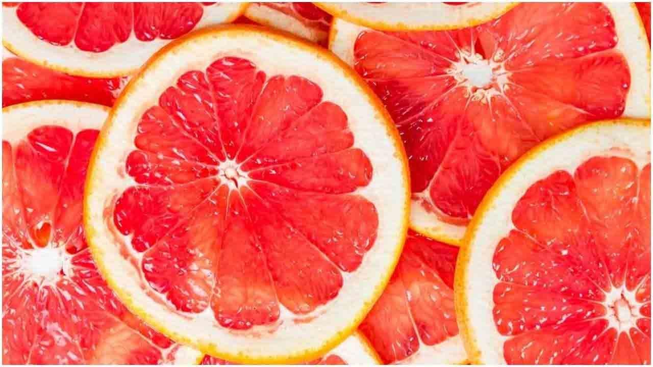 अँटीऑक्सिडंट्स युक्त फळ - या फळात अँटीऑक्सिडंट्सचे प्रमाण जास्त असते. हे जुनाट आजार होण्यापासून प्रतिबंधित करते.