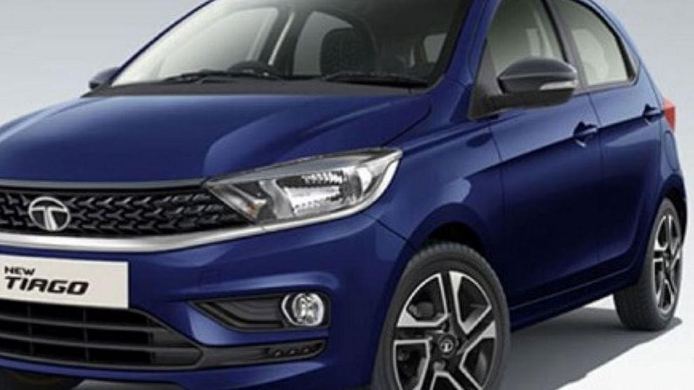 टाटा मोटर्स आपल्या एंट्री लेव्हल कारचे सीएनजी व्हेरिएंट तयार करत आहे, जे या वर्षाच्या अखेरीस लॉन्च होण्याची शक्यता आहे. कार निर्मात्या कंपनीने सीएनजीवर चालणाऱ्या टियागोची रोड टेस्ट सुरू केली आहे.