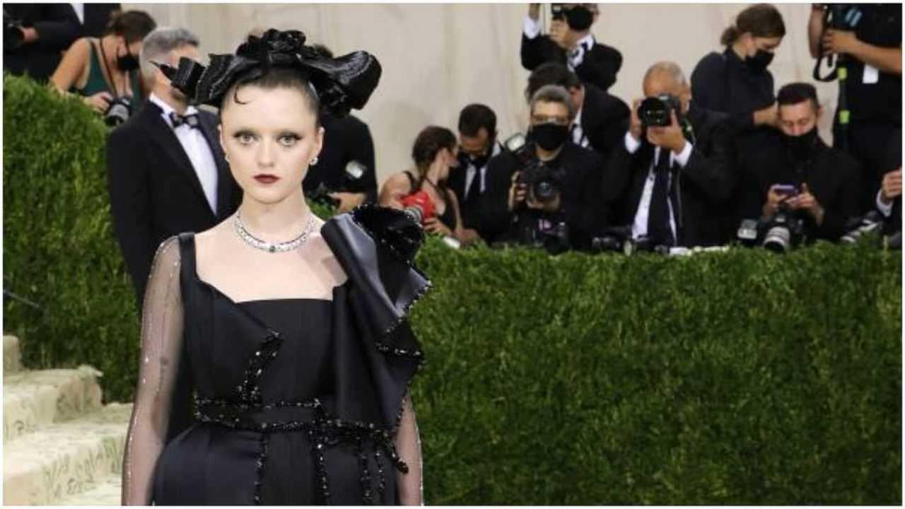 गेम्स ऑफ थ्रोन्स अभिनेत्री मैसी विल्यम्स काळ्या ड्रेसमध्ये सुंदर दिसत होती.