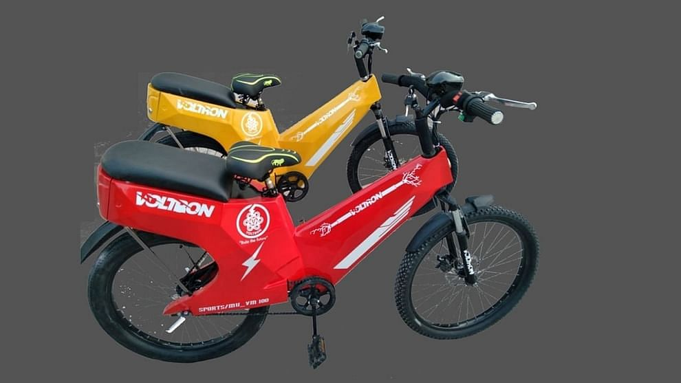 व्होल्ट्रॉन इलेक्ट्रिक सायकल पूर्ण चार्ज होण्यासाठी 700 वॅट वीज वापरते, जी 1 युनिटपेक्षा जास्त आहे आणि ही सायकल तीन तासात चार्ज होऊ शकते.