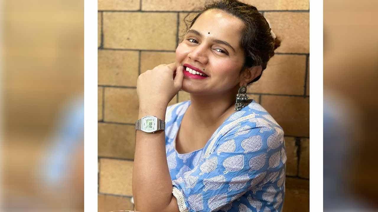 मराठीसह हिंदी मालिका विश्वात चमकणारी अभिनेत्री उर्मिला निंबाळकर आता युट्युबर म्हणून देखील प्रसिद्ध झाली आहे. उर्मिलाने अनेक हिंदी आणि मराठी मालिकांमध्ये काम केले आहे. तिने तिच्या प्रत्येक भूमिकेतून रसिक प्रेक्षकांची मने जिंकली.