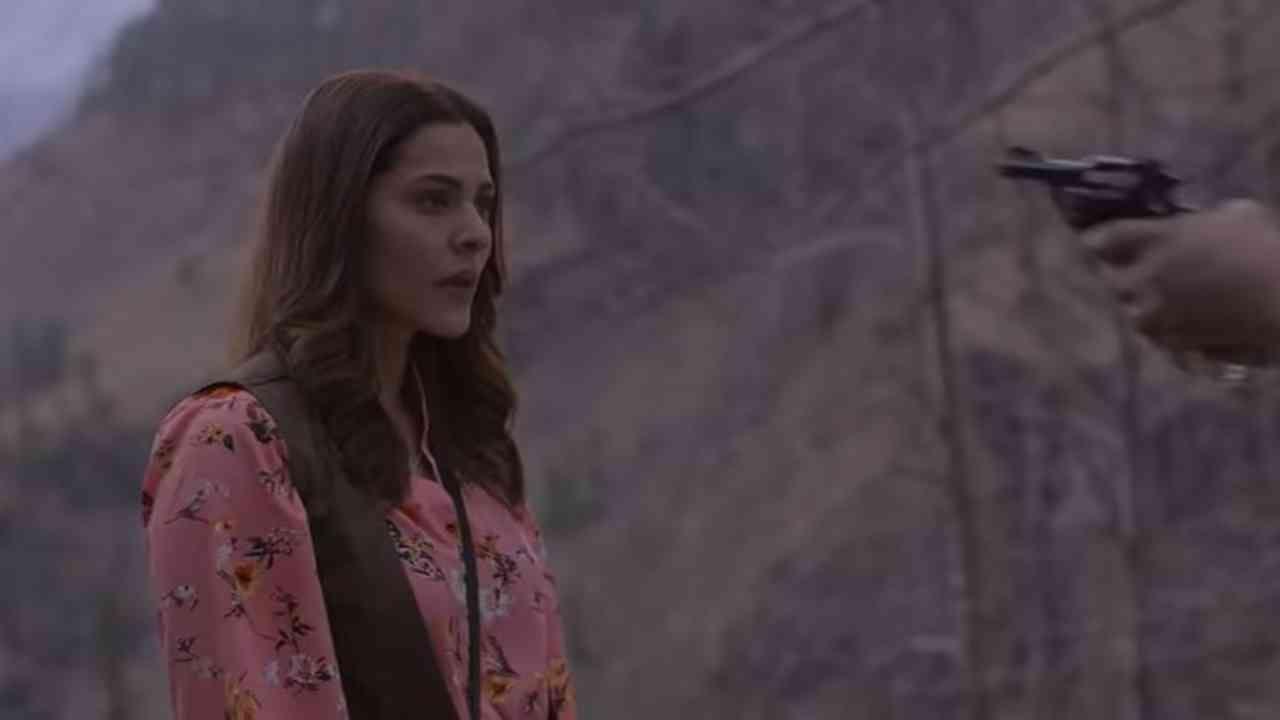 सिझन 2 ची सुरुवात लीला पासवानच्या शोधाने होते. अशरफने घातलेला आणखी एक वेष ज्यात, ती मृत्यूला पराभूत करून दुबईच्या भयानक आणि शक्तिशाली डॉनला गुडघ्यावर आणण्याच्या तिच्या ध्येयाकडे परतते.