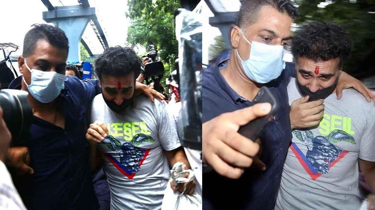 तुरुंगातून बाहेर पडताना राज कुंद्राचे फोटो सध्या सोशल मीडियावर प्रचंड व्हायरल झाले आहे. राजची अवस्था पाहून लोक हैराण झाले आहेत.