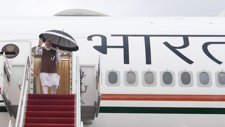 अमेरिकेतील तीन दिवसांच्या कार्यक्रमासाठी पंतप्रधान नरेंद्र मोदी (PM Narendra Modi US Visit) बुधवारी अमेरिकेच्या दौऱ्यावर रवाना झाले. पंतप्रधान  मोदी गुरुवारी सकाळी वॉशिंग्टन डीसीला पोहोचले.