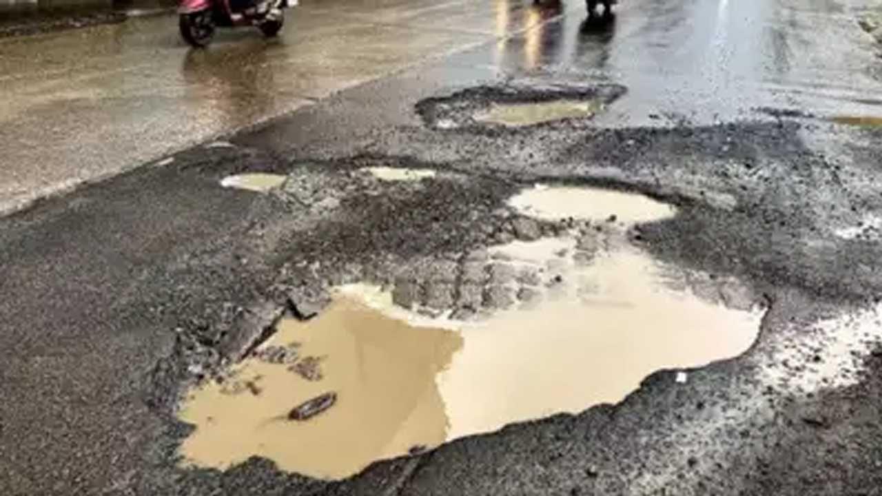 thane pothole