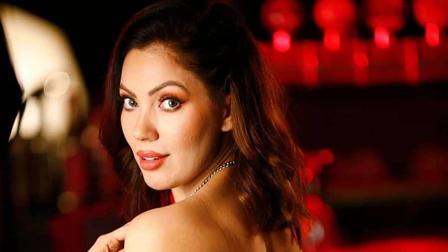 नुकतंच, मुनमुन प्रसिद्धीझोतात आली जेव्हा तिने एका व्हिडीओमध्ये जाती सूचक शब्द वापरला, त्यानंतर अभिनेत्रीवर गुन्हाही दाखल करण्यात आला.