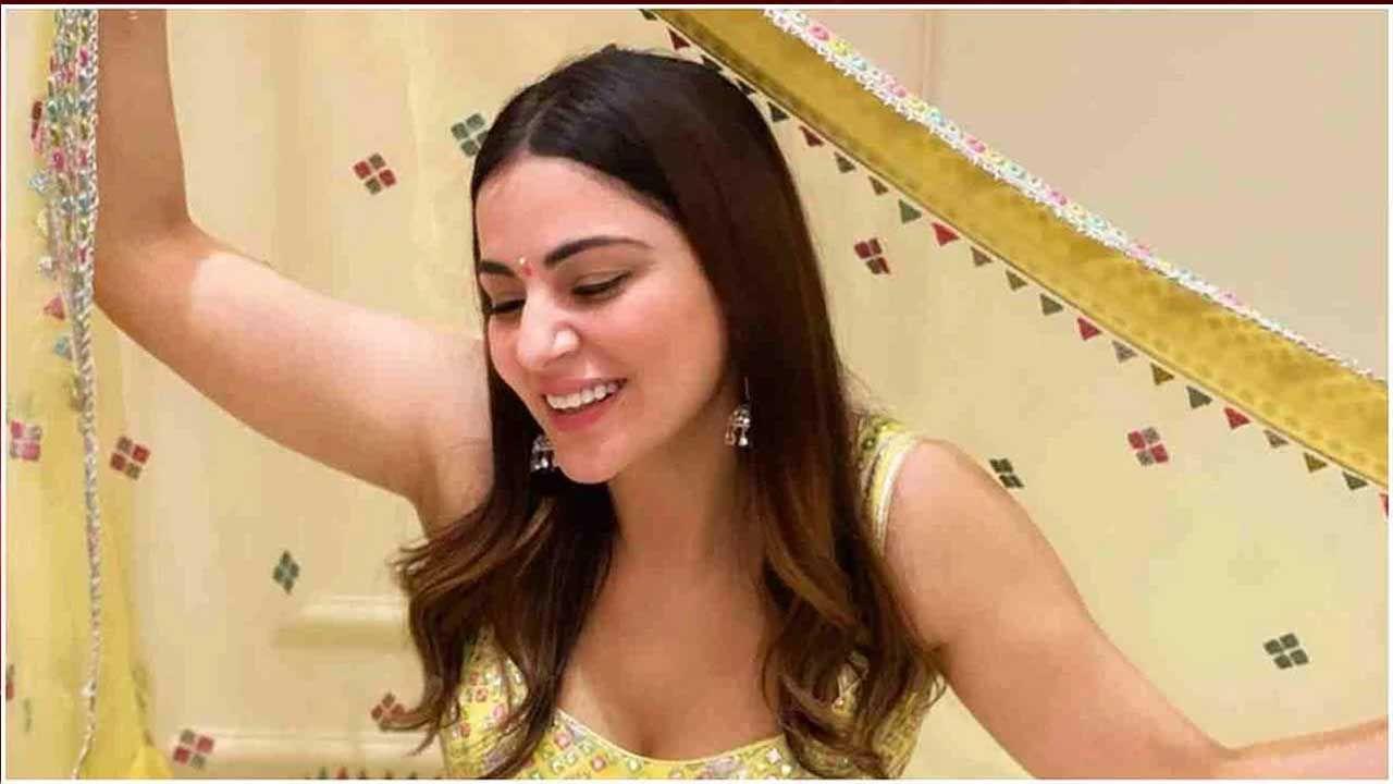 टीव्ही व्यतिरिक्त श्रद्धाने चित्रपटांमध्येही काम केले आहे. तिने हिंदी, तामिळ, तेलगू, मल्याळम, कन्नड आणि पंजाबी चित्रपटांमध्ये काम केले आहे.