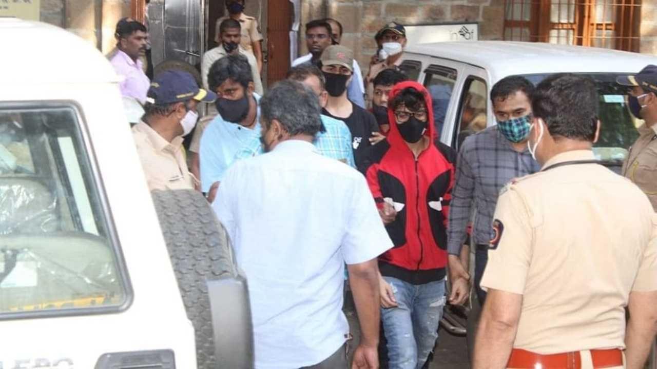 NCB arrest Shah Rukh Khan son Aryan Khan