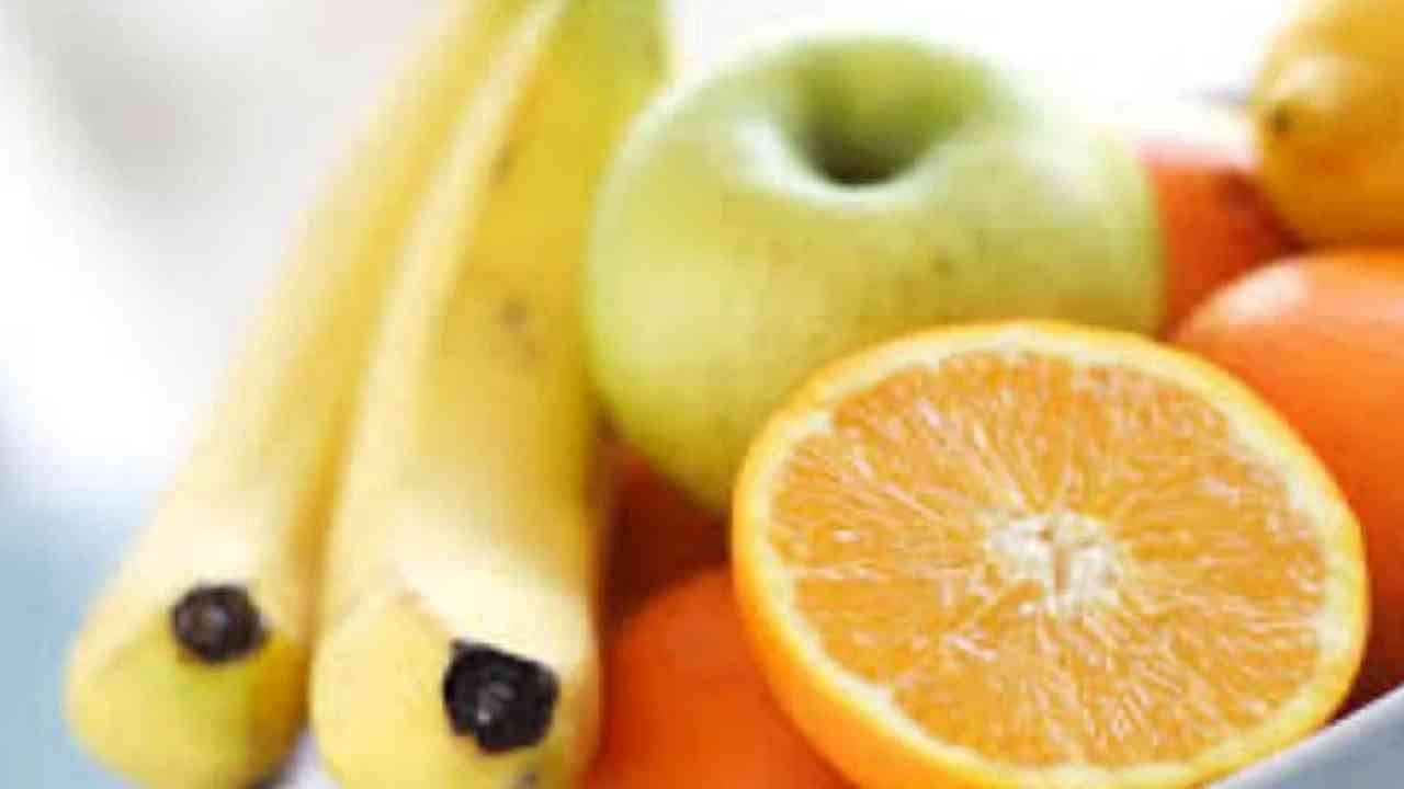जंक फूडची तल्लफ कमी करण्यासाठी पौष्टिक अन्न कमी वेळात घ्यावे. मध्यम प्रमाणात खाल्ल्याने लालसा नियंत्रित होते.