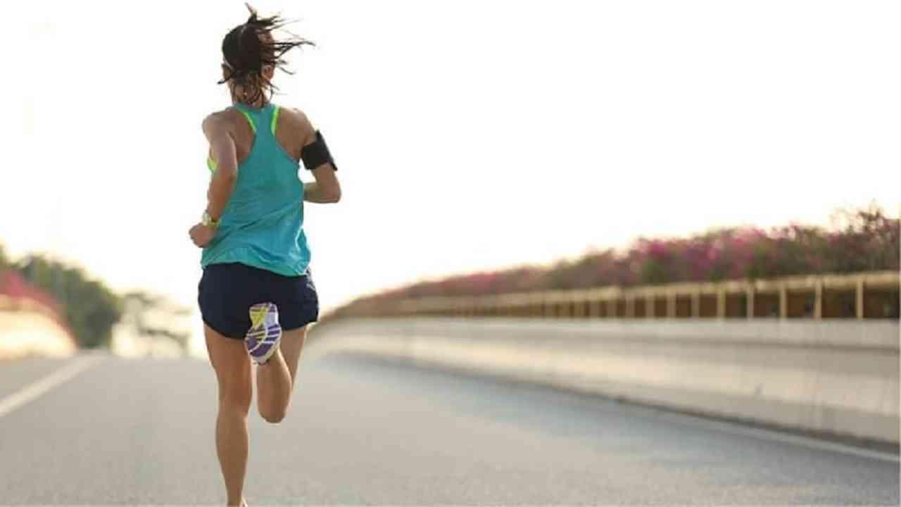 स्टॅमिना वाढवण्याचा सर्वोत्तम मार्ग म्हणजे नियमित व्यायाम. नियमित व्यायामामुळे तुमचा स्टॅमिना वाढण्यास मदत होते.